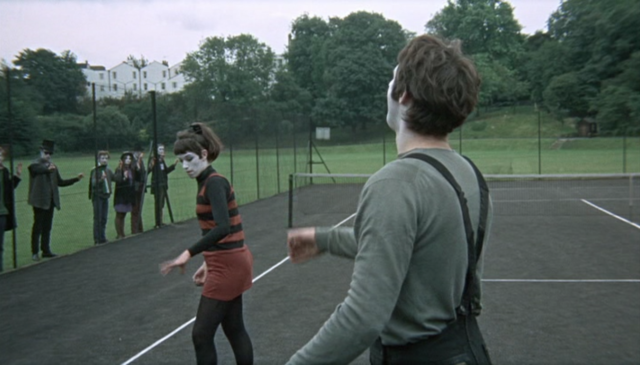 Blow-up, film del 1966 nel quale Antonioni parla di fotografia, può essere letto come una grande metafora filosofica sulla conoscenza.