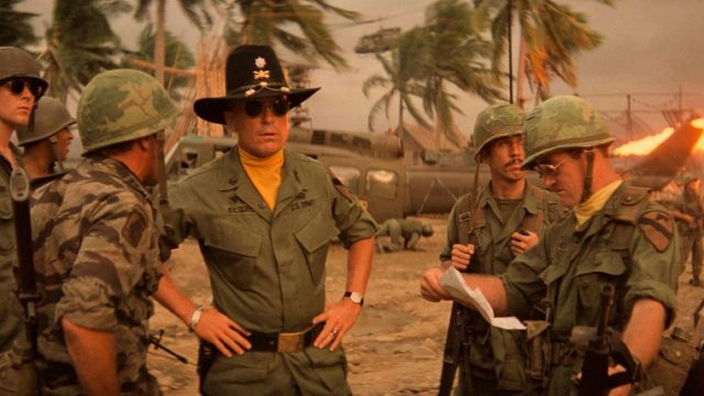 "Un viaggio metafisico attraverso le sequenze di Apocalypse Now e le liriche di ""The End"". Due capolavori legati fino alla fine."