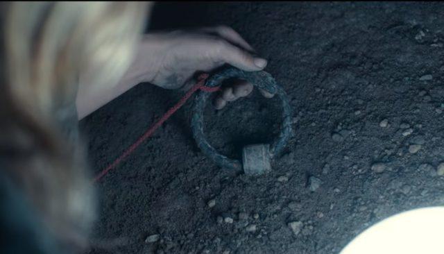 Il finale della terza stagione di Dark ha sicuramente messo un punto definitivo, ma lo ha lasciato fuori dal cerchio perfetto.