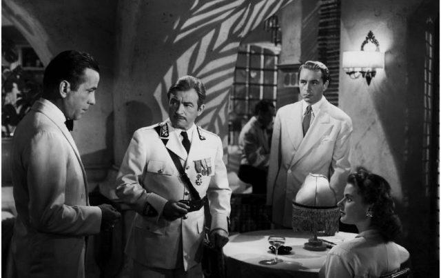 Casablanca, ovvero il dilemma etico e sentimentale di Rick: privilegiare l'egoismo o l'amore per Ilsa? Lui stesso lo scopre sorpreso.