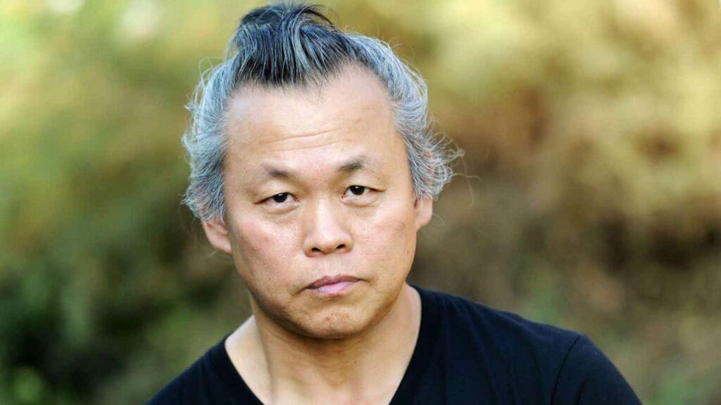 Kim Ki-duk è considerato uno dei maestri del cinema contemporaneo. Scopriamo quali sono i cardini della sua produzione ricca ed eterogenea.