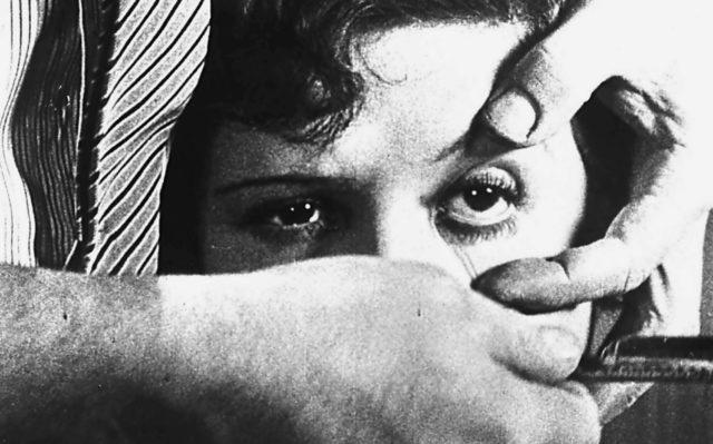 Un chien andalou, di Luis Buel, è il film surrealista per antonomasia che mette le basi per una rivoluzione nella storia del Cinema.