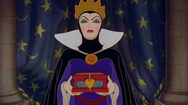 Come tutte le storie Disney, anche Biancaneve e i Sette Nani discosta dalla storia originale. Vediamo le differenze.